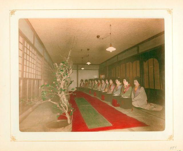 「100年前の美しい日本」女性